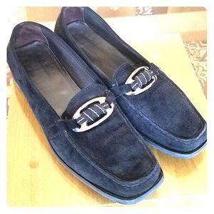 Stuart Weizmann black suede loafer women's Sz 9.5